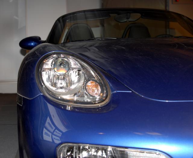 自動車のヘッドライトの汚れをなんとかする!汚れを落とす方法や予防方法を解説!