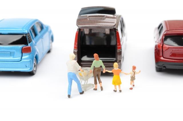 ミニバンとは?ステーションワゴンとの違いや人気車種をご紹介!