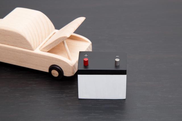 車のバッテリーの引き取りはどこに依頼する?処分方法や交換するタイミング