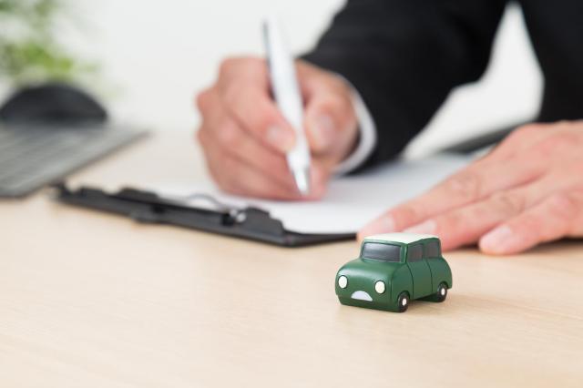 カーリース中に車の名義変更はできるの?買取できる契約の種類や注意点も解説