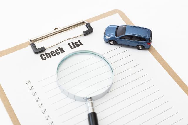車の下取り査定でチェックされるポイントとは?買取とは何が違う?