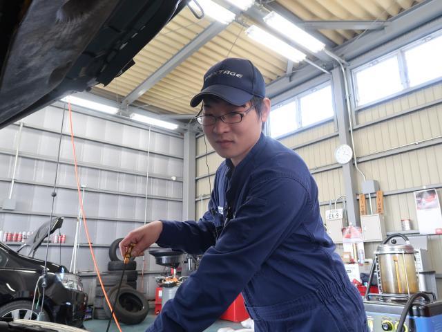 ネクステージのスタッフ写真 メカニック 船木裕太