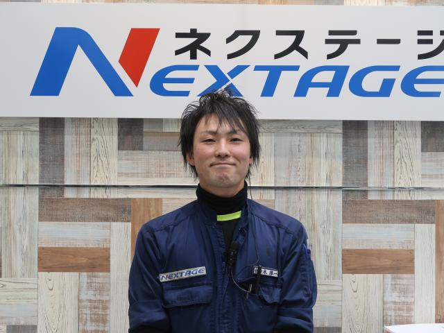 ネクステージのスタッフ写真 メカニック 佐々木 淳一