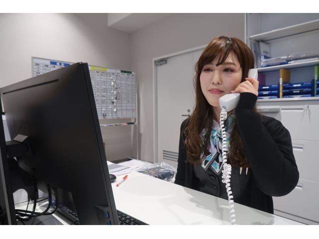 ネクステージのスタッフ写真 事務 鈴川 綾菜