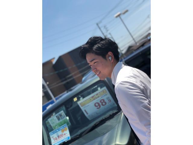 ネクステージのスタッフ写真 カーライフアドバイザー 酒井 蓮太