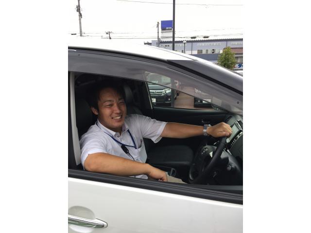 ネクステージのスタッフ写真 カーライフアドバイザー 長屋 遼