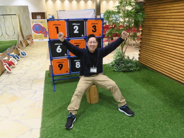 ネクステージのスタッフ写真 カーライフアドバイザー 岸田 薫