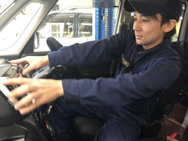 ネクステージのスタッフ写真 メカニック 越田 健作