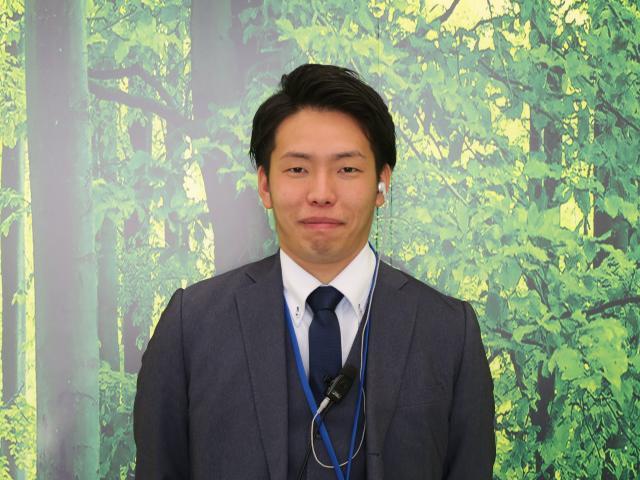 ネクステージのスタッフ写真 カーライフアドバイザー 志賀 聡