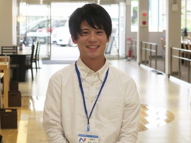 ネクステージのスタッフ写真 カーライフアドバイザー 林田 和将