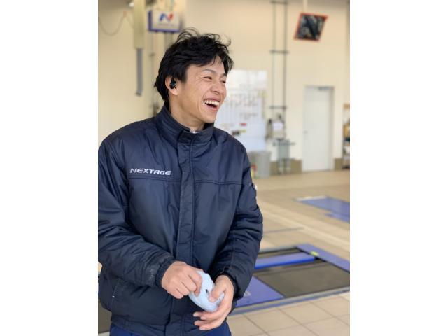 ネクステージのスタッフ写真 メカニック 辻 慎吾