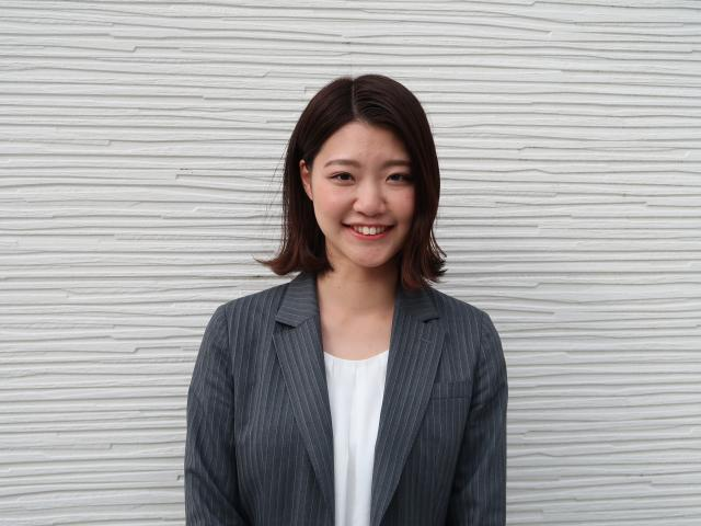 ネクステージのスタッフ写真 カーライフアドバイザー 古田 明日香