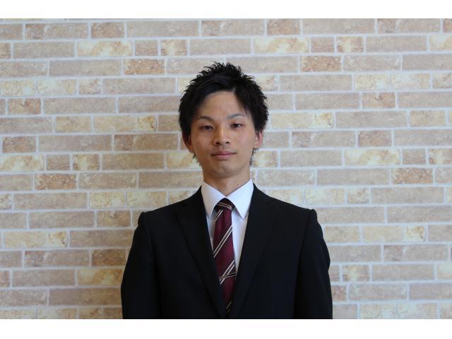 ネクステージのスタッフ写真 カーライフアドバイザー 東松 勇太