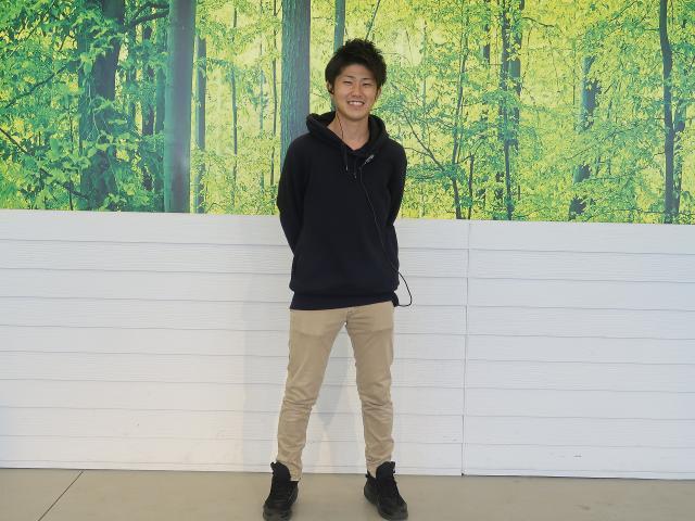 ネクステージのスタッフ写真 カーライフアドバイザー 早津 修弥
