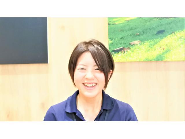 ネクステージのスタッフ写真 カーライフアドバイザー 矢井 榛香