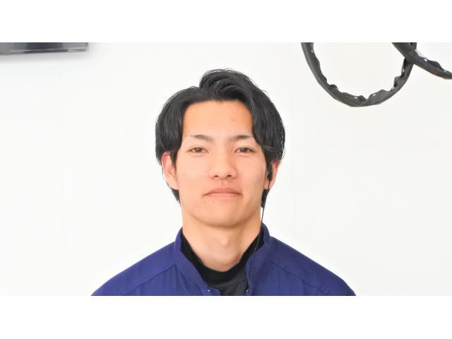 ネクステージのスタッフ写真 メカニック 栫 智博
