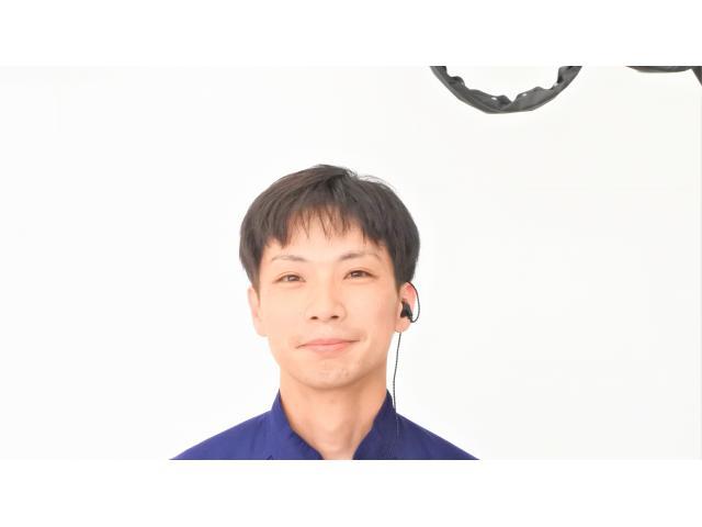 ネクステージのスタッフ写真 メカニック 荊尾 絋臣