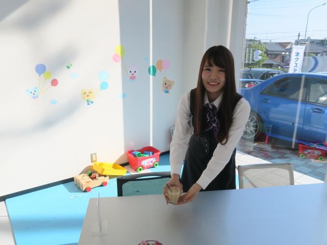 ネクステージのスタッフ写真 事務 眞田 歩
