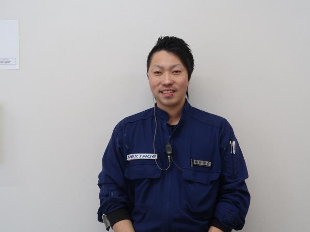 ネクステージのスタッフ写真 メカニック 磯田侑介