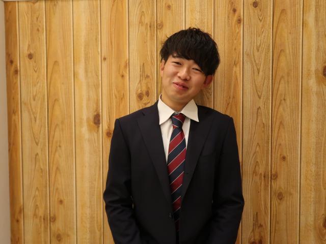 ネクステージのスタッフ写真 カーライフアドバイザー 吉田 亮太
