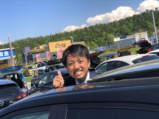 ネクステージのスタッフ写真 カーライフアドバイザー 松久 颯汰