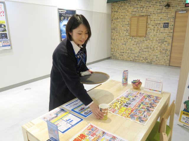 ネクステージのスタッフ写真 カーライフプランナー 姫野 亜沙美