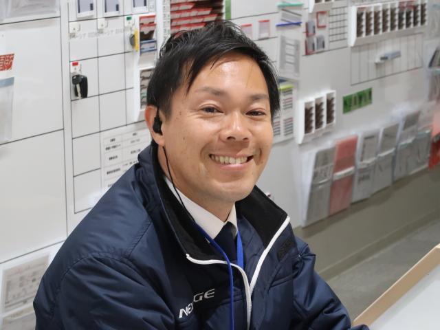 ネクステージのスタッフ写真 カーライフアドバイザー 井上 賢治