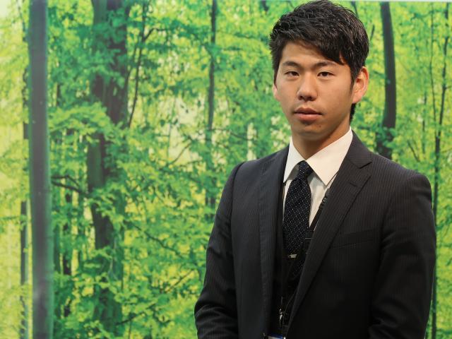 ネクステージのスタッフ写真 カーライフアドバイザー 難波 雄博