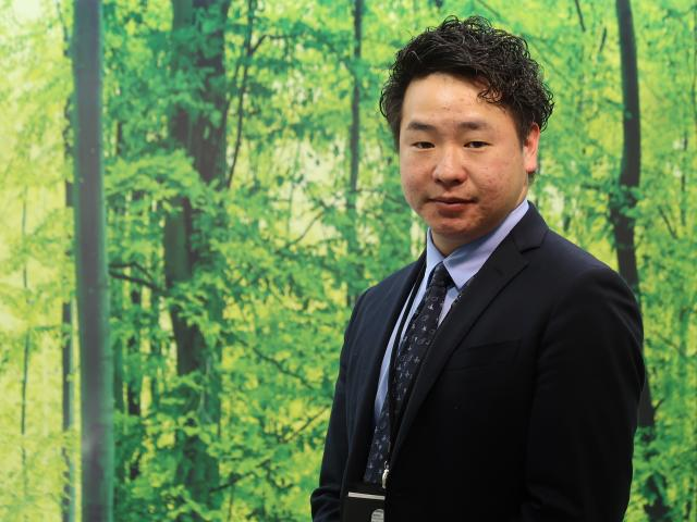 ネクステージのスタッフ写真 カーライフアドバイザー 柳田 健吾