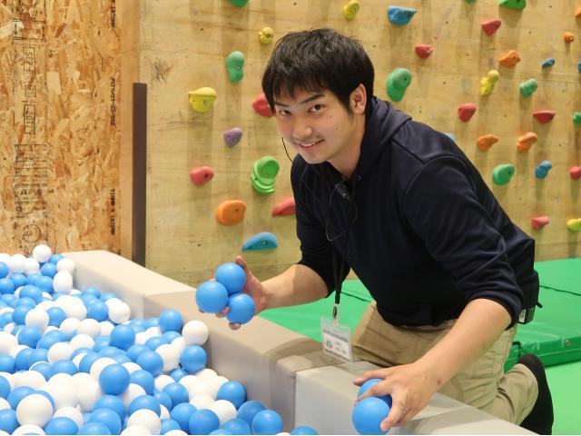 ネクステージのスタッフ写真 カーライフアドバイザー 秋田 英俊